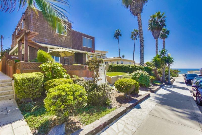 This lovely home is in a nice and quiet neighborhood in N. Pacific Beach - CJ's Ocean Oasis with AC, 5 Houses from Ocean - Pacific Beach - rentals