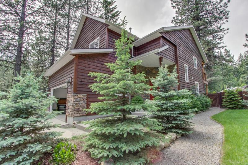 Luxurious home close to resort, trails, and lake - dogs ok! - Image 1 - Sandpoint - rentals