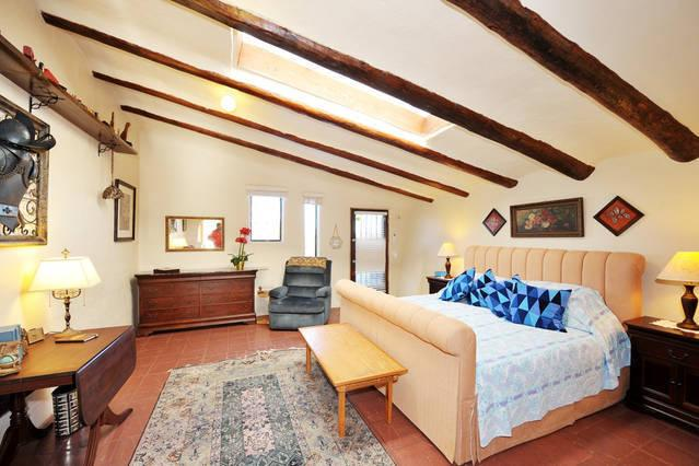 Welcome to Cuarto de Mendoza - Unit 3 at Hacienda de Leyba! - Quiet Setting for Two - 5 Miles to Santa Fe Plaza - Santa Fe - rentals