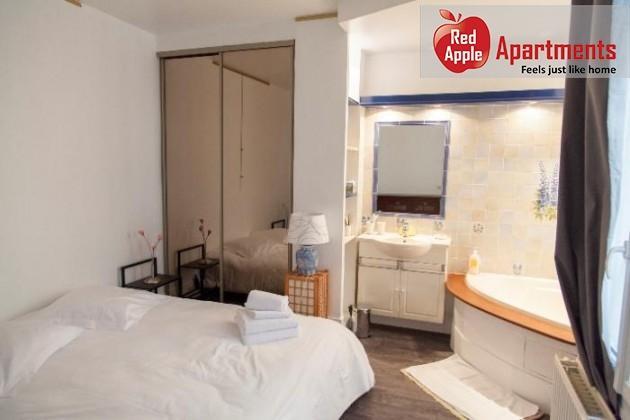 Beautiful Apartment Typical of Montmatre - 6870 - Image 1 - Paris - rentals