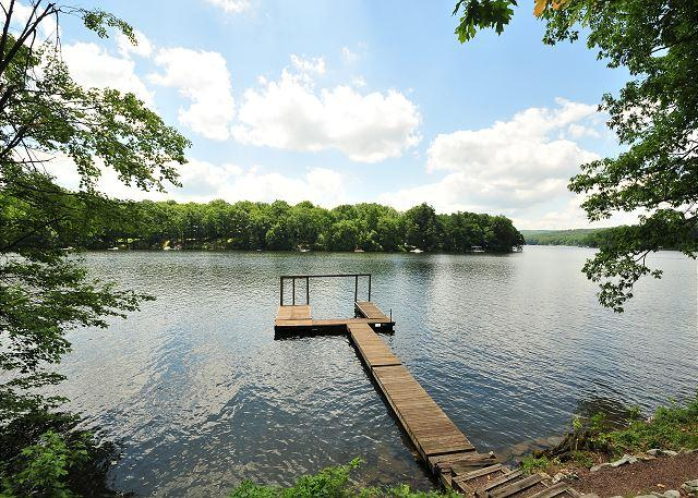 Private Dock - Dazzling 3 Bedroom Home w/ Hot tub, pool table, & private dock! - Oakland - rentals
