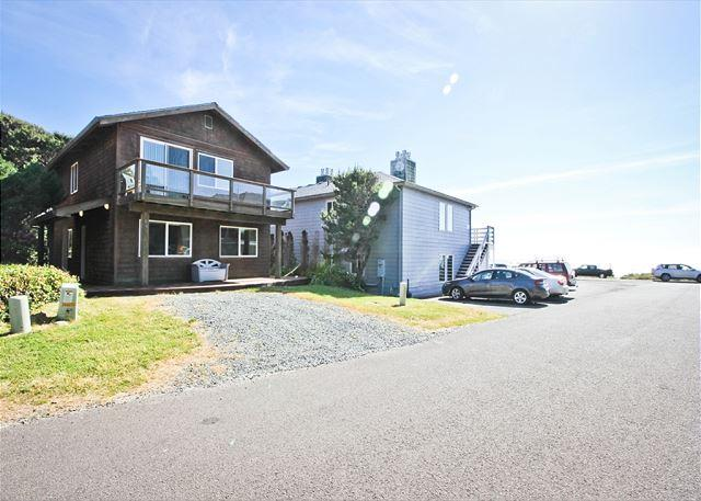 BEACHAVEN ~MCA#1381~ Locationed 1/2 block to the beach and 1 block to town!!! - Image 1 - Manzanita - rentals