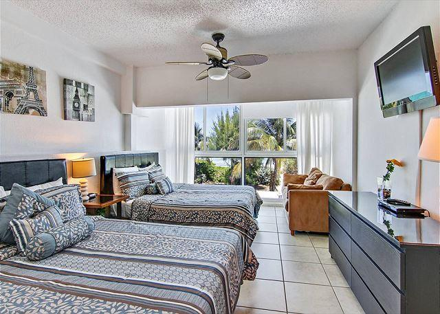 Picture Name - Amazing Two Story Townhouse with Ocean view Terrace on the Beach ! - Miami Beach - rentals