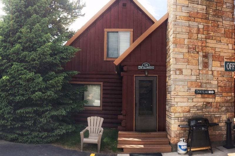 Cabin Exterior - Cabin 126 - The Yellowstone - West Yellowstone - rentals