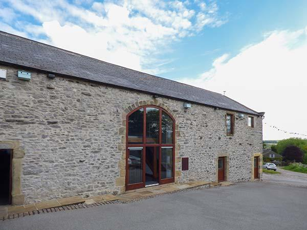 BROADWAY BARN superb family celebration property, en-suite facilities - Image 1 - Bakewell - rentals