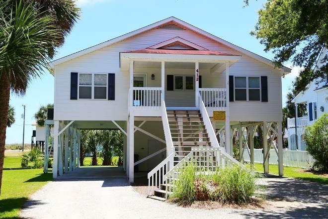 "412 Pompano St  - ""Petty House"" - Image 1 - Edisto Beach - rentals"