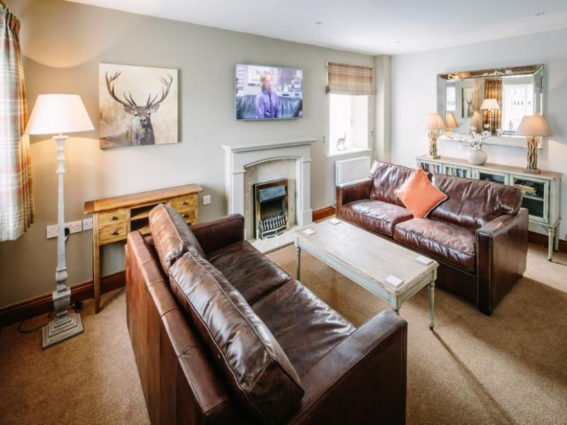 CARUS GREEN COTTAGE, Kendal, South Lakes - Image 1 - Kendal - rentals