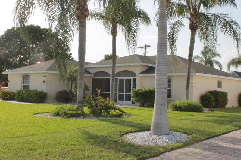 The Beach House - Image 1 - Cape Coral - rentals