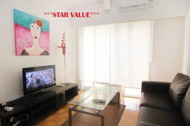 Living room with balcony - RECOLETA 3 BEDROOM, BALCONY, GREAT WIFI - Buenos Aires - rentals