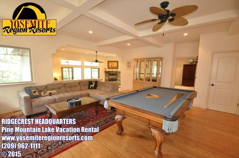 Family room w/pool table, small Dog Friendly, Unit 13 Lot 170 Pine Mountain Lake Vacation Rental Ridgecrest Headquarters - Upscale SmlPetOK PoolTable PingPong 25mi>Yosemite - Groveland - rentals