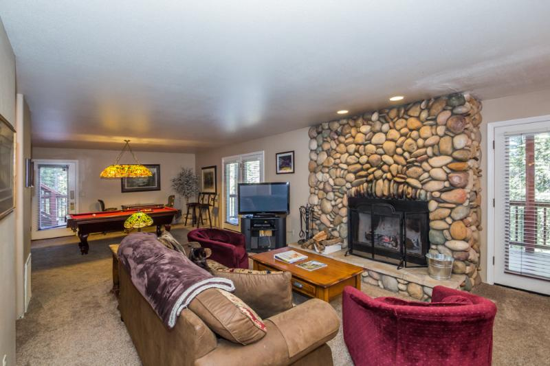 Your living area with wood-burning fireplace, queen sofa sleeper, HD satellite TV and pool table. - Mountain Luxury With All the Comforts of Home! - Yosemite National Park - rentals