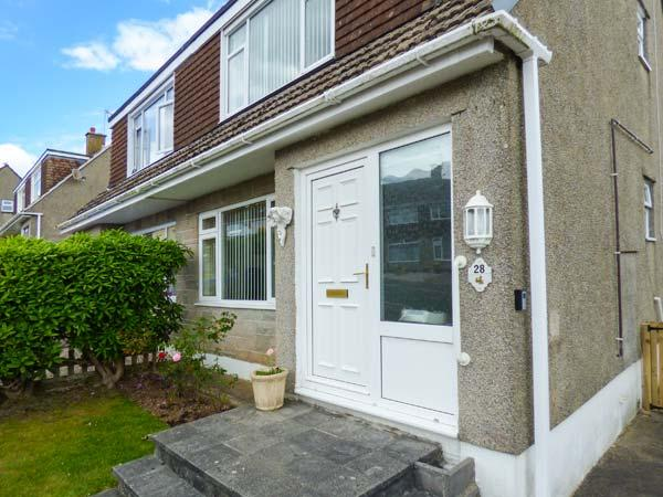 WYNDEN, semi-detached, pet-friendly, two miles from Eden Project, in Par Ref 920869 - Image 1 - Par - rentals