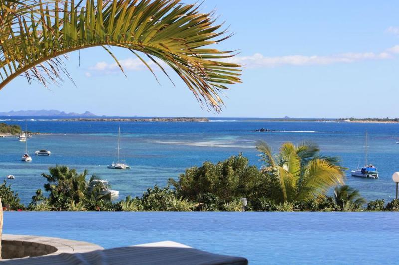 Viila Roma... Orient Bay, St Martin 800 480 8555 - ROMA VILLA... New modern 4 BR villa with gorgeous views of Orient Bay - Orient Bay - rentals