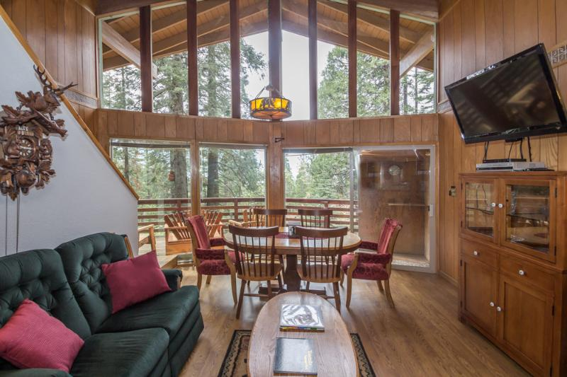 "Living & dining area with 42"" satellite TV. - Yosemite West Cabin   Oct.-March 3rd night free! - Yosemite National Park - rentals"
