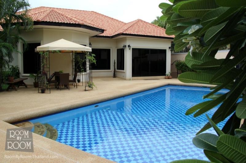 Villas for rent in Hua Hin: V6196 - Image 1 - Hua Hin - rentals