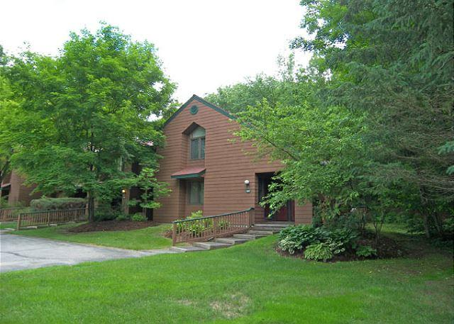 Exterior of Unit - D0302- Managed by Loon Reservation Service - NH Meals & Rooms Lic# 056365 - North Woodstock - rentals