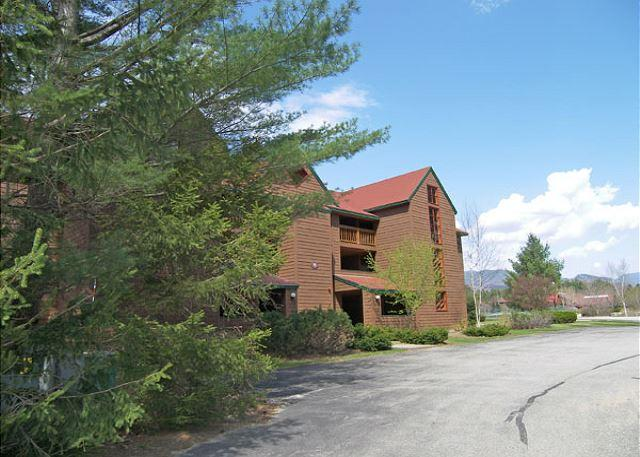 Exterior of Building - D0225- Managed by Loon Reservation Service - NH M&R:056365/Business ID:659647 - North Woodstock - rentals