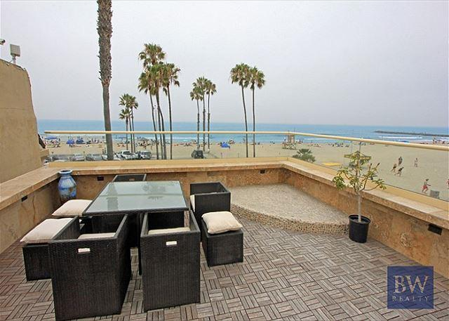 WOW!!Oceanfront Upper Condo with Spectacular View from Rooftop Deck - Image 1 - Newport Beach - rentals