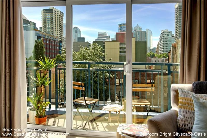 1 Bedroom Bright Cityscape Oasis - Image 1 - Seattle - rentals