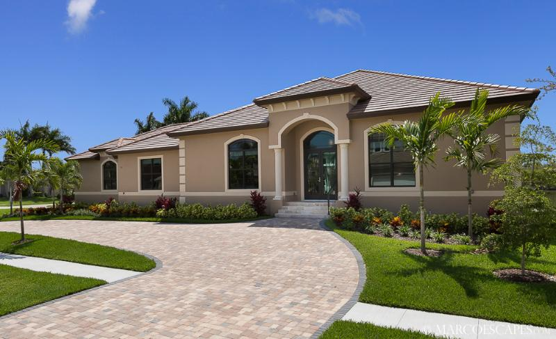 LE VIVIENNE - Our Swanky Floridian Château - New for 2015 !! - Image 1 - Marco Island - rentals