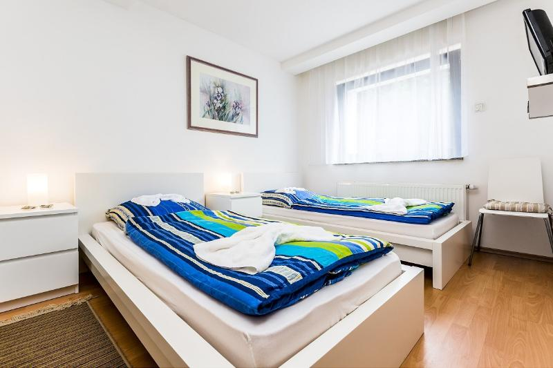 Holiday house with for 8 people - 32 Holiday house Cologne Buchheim with four rooms - Cologne - rentals
