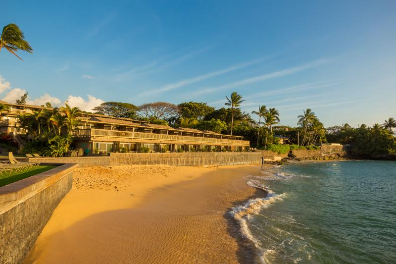 Kahana Sunset's private sandy beach - part of the protected Keone Nui Bay - Kahana Sunset 2 BR Condo, Ocean View, Great Beach - Lahaina - rentals