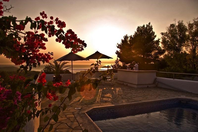 5 bedroom Villa in Cala Tarida, Islas Baleares, Ibiza, Ibiza : ref 2240090 - Image 1 - Cala Tarida - rentals