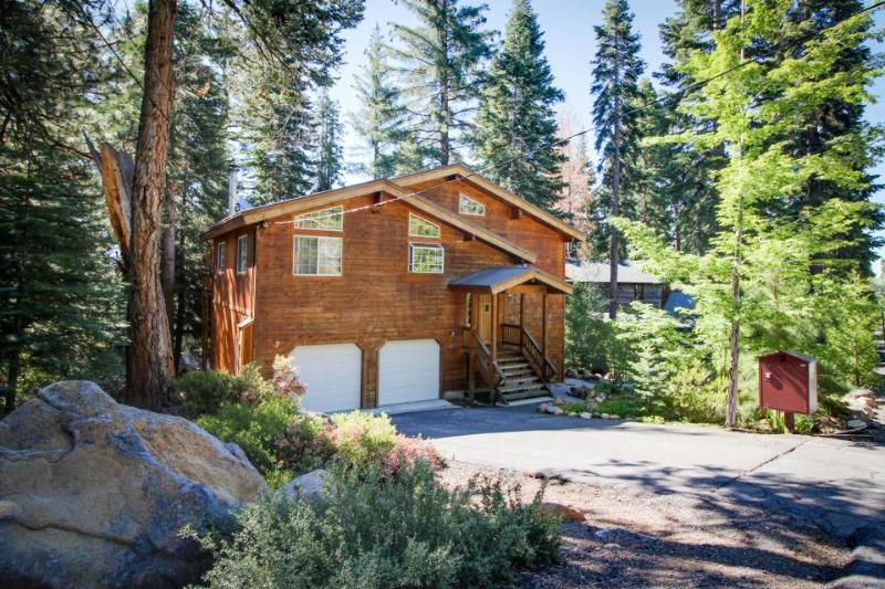 Sit out on the deck with your dog or soak in the private hot tub at this home! - Image 1 - Tahoe Vista - rentals