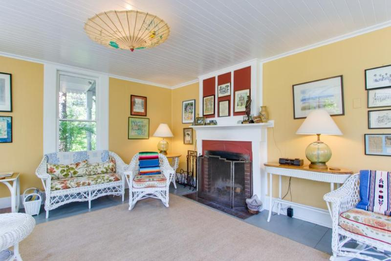 Historic dog-friendly home near beach and golf and on an acre of meadow! - Image 1 - Gearhart - rentals