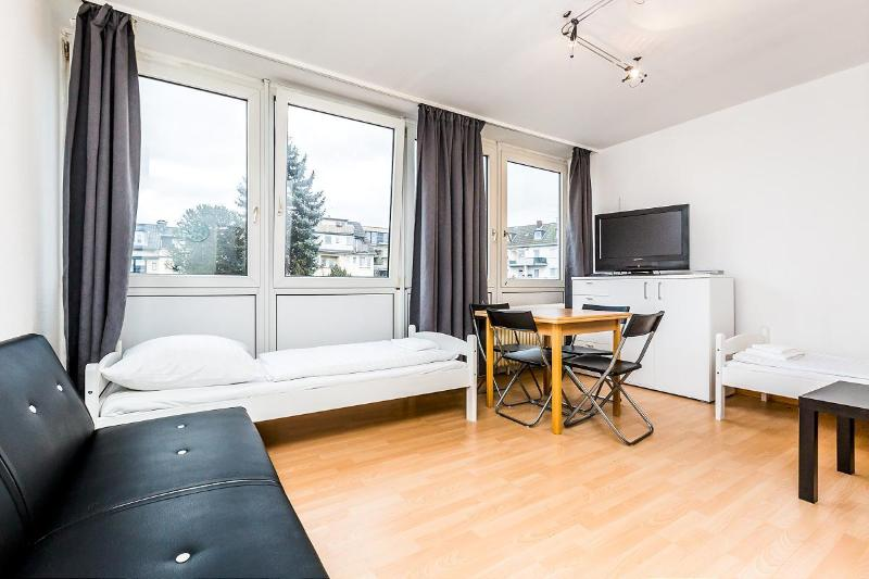 Nice single room apartment in quiet area - 42 Cozy single apartment in Cologne Höhenberg - Cologne - rentals