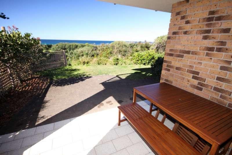 Seahorse - Oceanside 15 - Image 1 - Blueys Beach - rentals