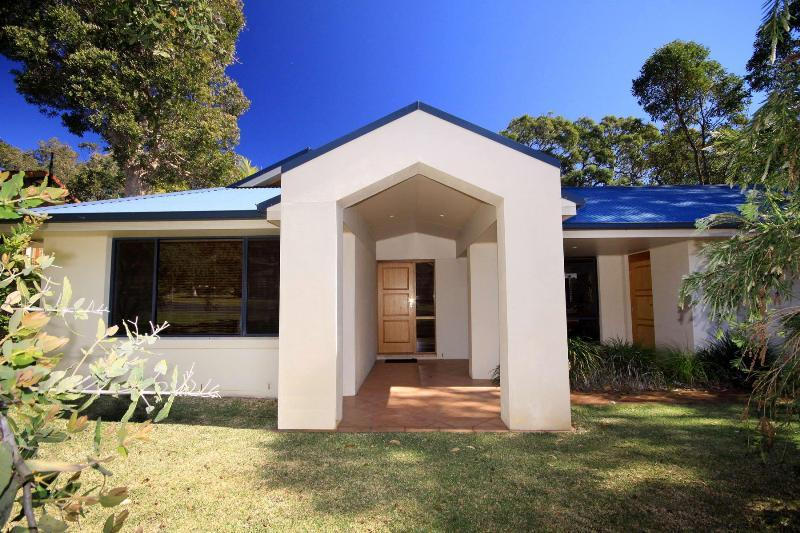 Clarke House - Image 1 - Blueys Beach - rentals
