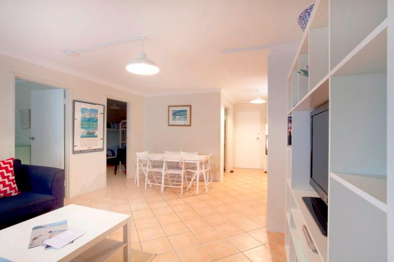 Villa Manyana Unit 24 - Image 1 - Blueys Beach - rentals