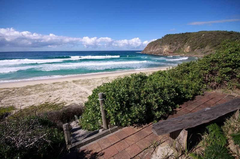 124 Boomerang Drive - Image 1 - Blueys Beach - rentals