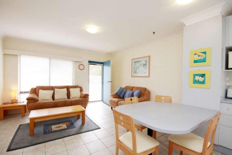 Villa Manyana Unit 25 - Image 1 - Blueys Beach - rentals