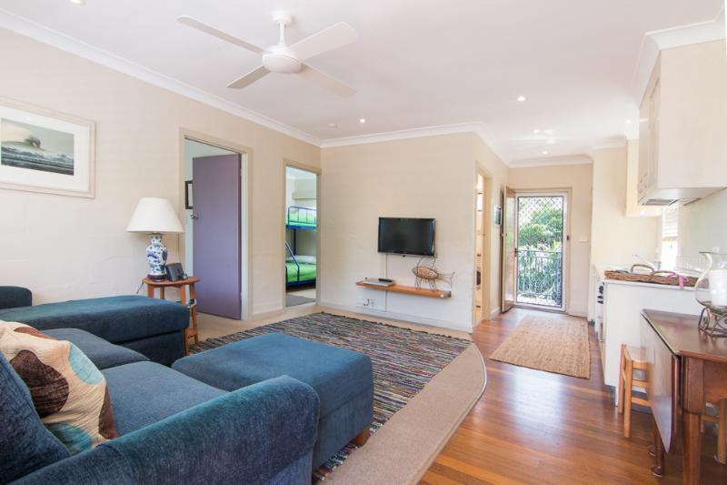 Villa Manyana Unit 02 - Middles - Image 1 - Blueys Beach - rentals