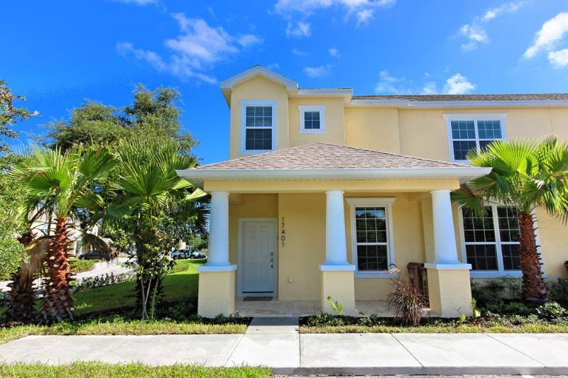 Front of Home - 3 Bed 3 Bath Pool Home + Clubhouse (17401-SEREN) - Orlando - rentals