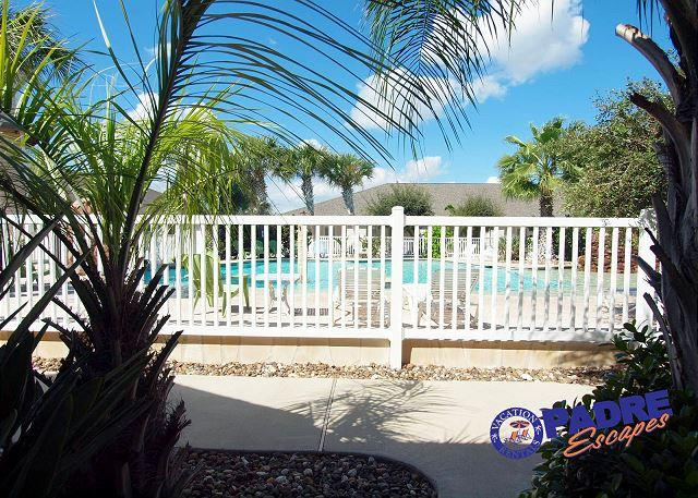 Beautiful 3 bedroom Poolside property the whole family will enjoy! - Image 1 - Corpus Christi - rentals