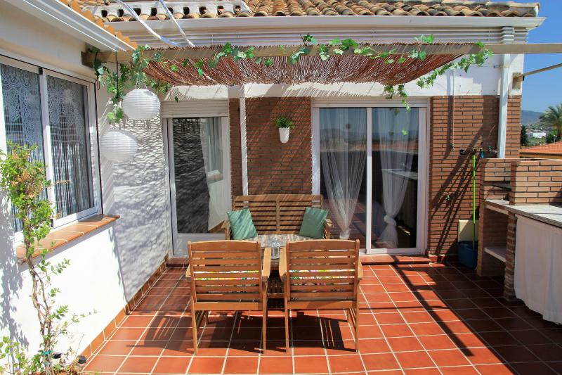 NEW, PRIVATE TERRACE, FULL AIR CO, PARKING, WIFI - Image 1 - Armilla - rentals