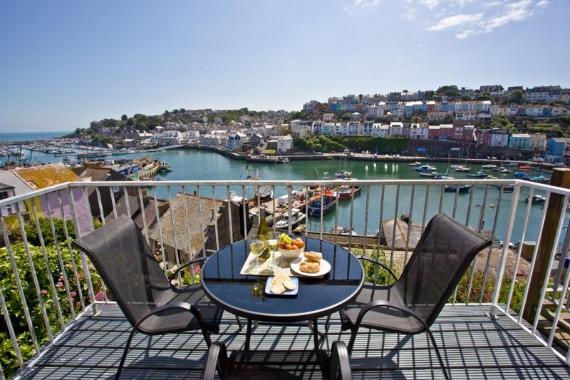 Harbour Sails Cottage located in Brixham, Devon - Image 1 - Brixham - rentals