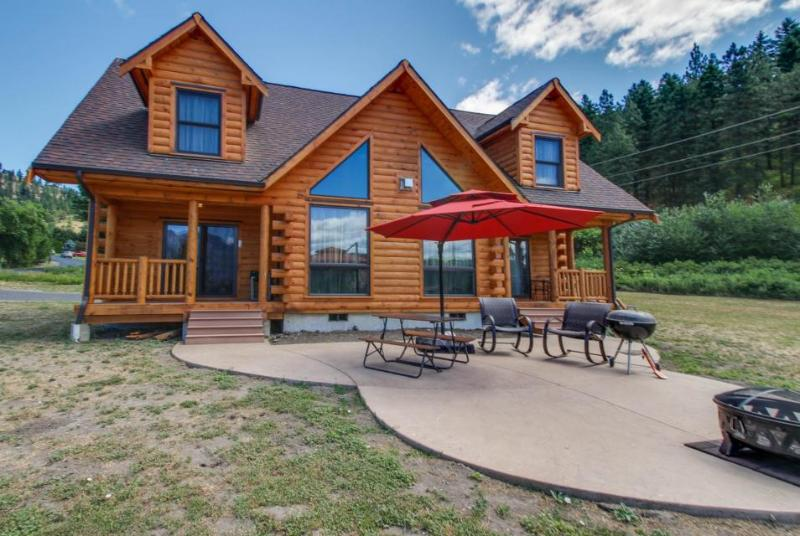 Gorgeous dog-friendly family lodge close to skiing and lake - Image 1 - Leavenworth - rentals
