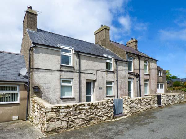 TIR BEDW, semi-detached, woodburner, ample parking, garden, in Morfa Nefyn, Ref 925707 - Image 1 - Morfa Nefyn - rentals