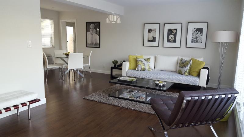 Living room - 1/1 Rental - Lauderdale by the Sea - rentals