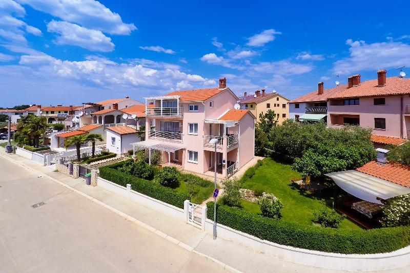 Villa Brioni, Fazana, Croatia - modern and equiped apartments, with free WiFi situated near beach - Apartments Villa Brioni, Fazana, Croatia - Fazana - rentals