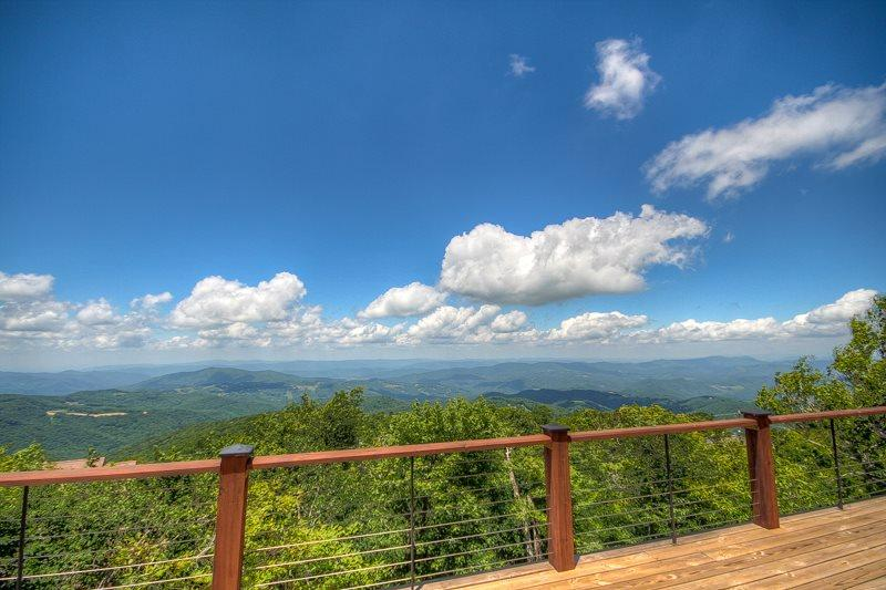 Views of 4 States on a Clear Day from High Elevation on Beech Mountain - Mountain Top Lodge - Beech Mountain - rentals