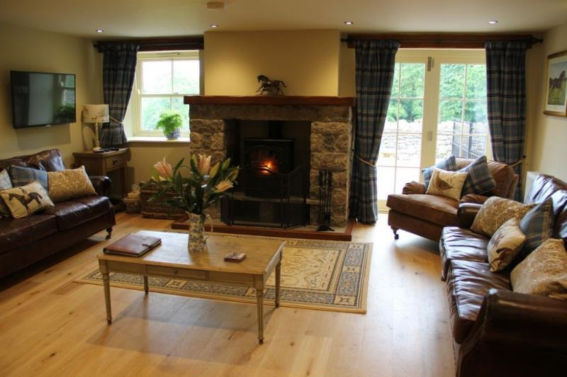 AUTUMN COTTAGE, near Kendal - Image 1 - Sedgwick - rentals