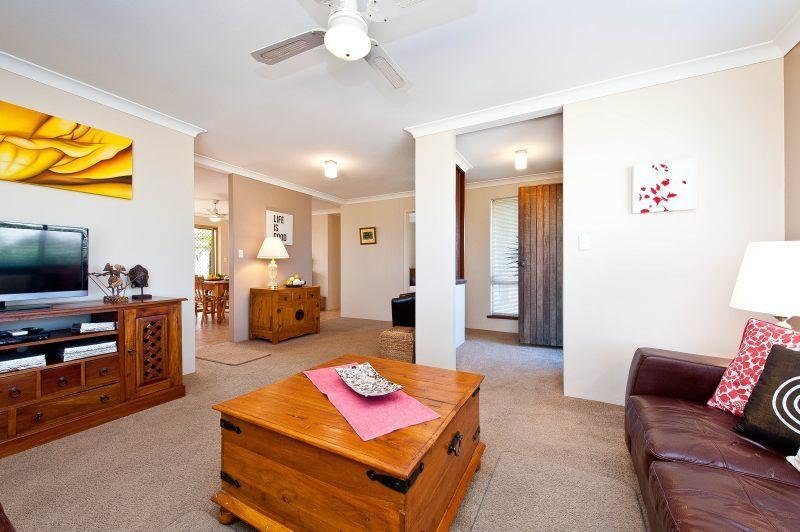 MULLALOO BEACH BREAK - Image 1 - Mullaloo - rentals