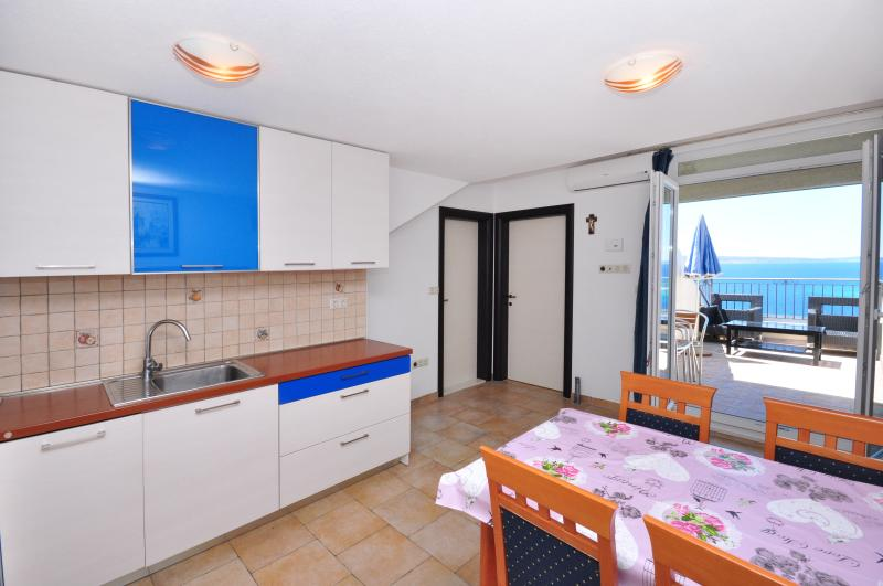 Apartment Omiš (4+2) Nº203 - Image 1 - Omis - rentals