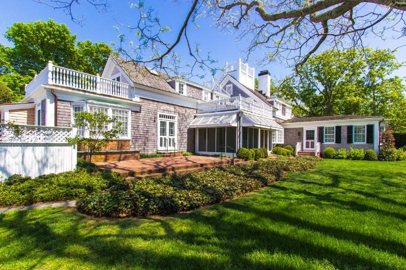 WEEKW - CLASSIC, IN-TOWN EDGARTOWN, ENGLISH-COUNTRY CHIC LUXURY HOME WITH POOL AND MANICURED GROUNDS - Image 1 - Chappaquiddick - rentals