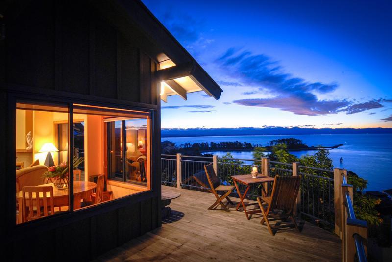Abel Tasman Villa - Front Deck - Nelson New Zealand Abel Tasman Villa. - Nelson - rentals